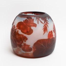 Vase en verre camée