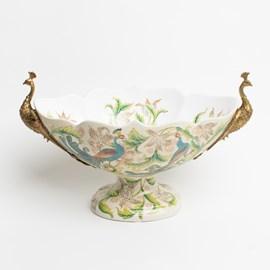 Pièce d'exposition en porcelaine avec des paons