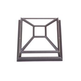 Lampe d'extérieur carrée incassable avec barres