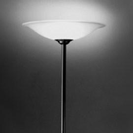 Grande lampe de sol avec bol en verre gravé