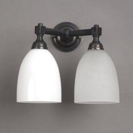 Lampe de salle de bains en V avec abat-jour ouvert