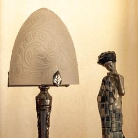 Lampe de table Art Déco Français Dôme Dôme Fleurs